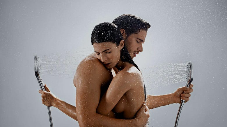 WHAT IS THE DIFFERENCE BETWEEN MEN'S AND WOMEN'S BODY WASH?