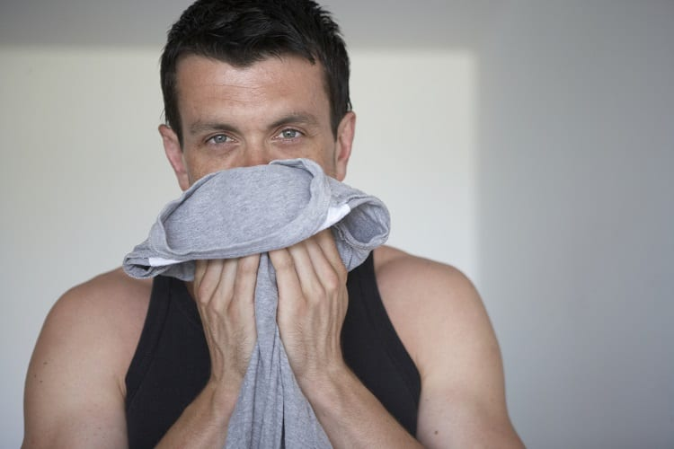 WHAT MEN'S BODY WASH SMELLS THE BEST?